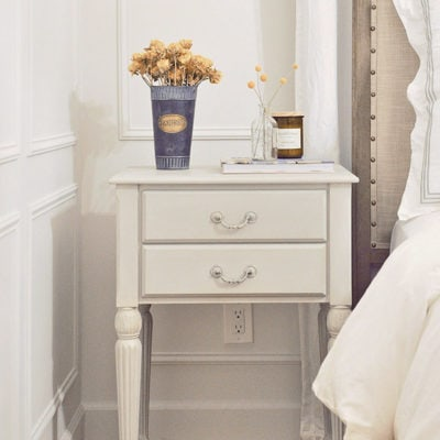 Nightstand Makeover | How to Update an Old-looking Furniture
