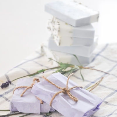 DIY wedding favors under $1 | This handmade lavender soap will wow your guest