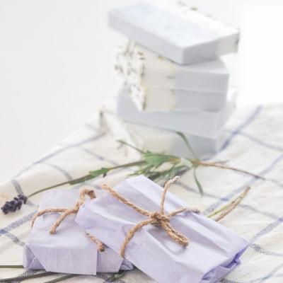 diy melt and pour soap, diy wedding favors on a budget, handmade lavender soap