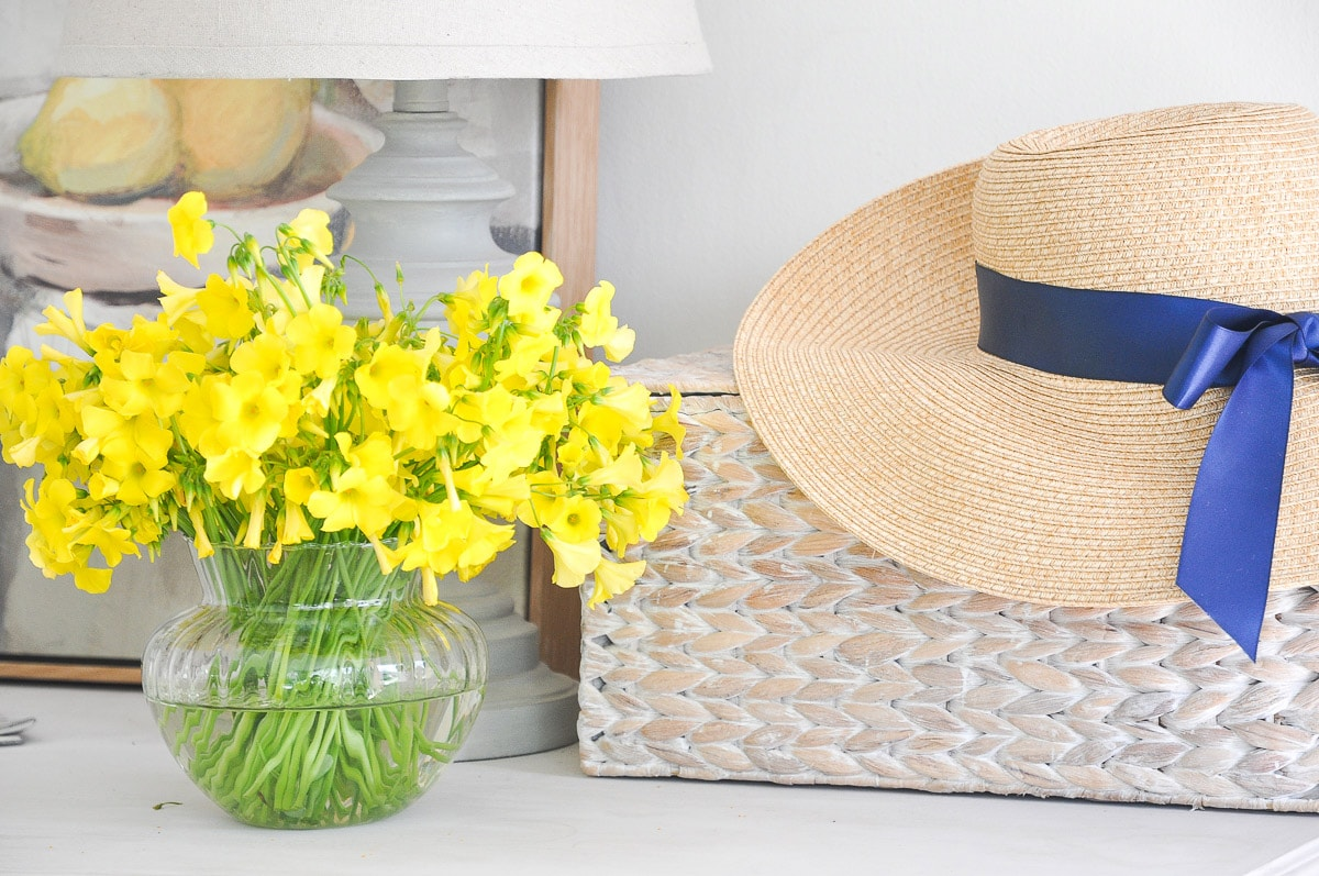 Spring Decoration Ideas for Entryway Console Table | DIY Spring Decor | yellow clover flower
