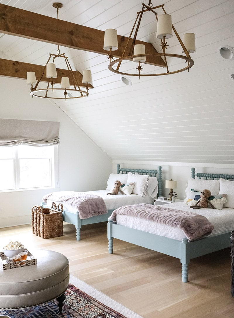 my favorite interior design style series | modern farmhouse | beautiful modern farmhouse spaces | whimsical kids room, etoile 4-light chandelier