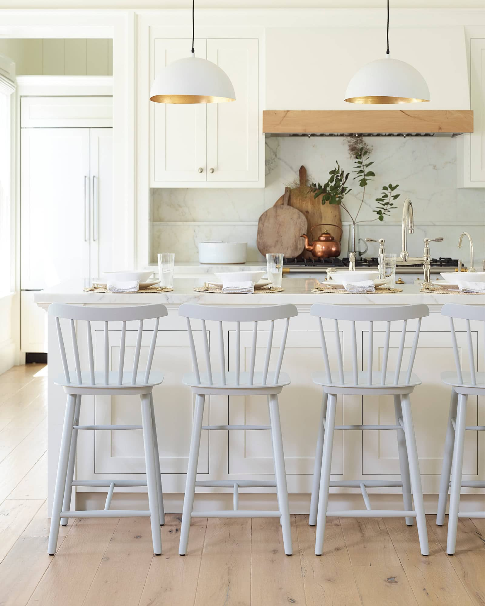 my favorite interior design style | coastal beachy style | serena and lily, fresh, seaside interiors, kitchen