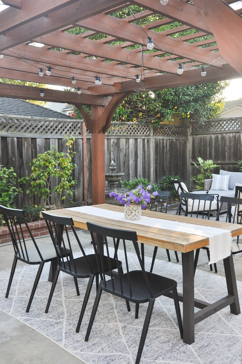 summer garden tour, pergola, target windsor chair, outdoor dining, cafe light, solar string light