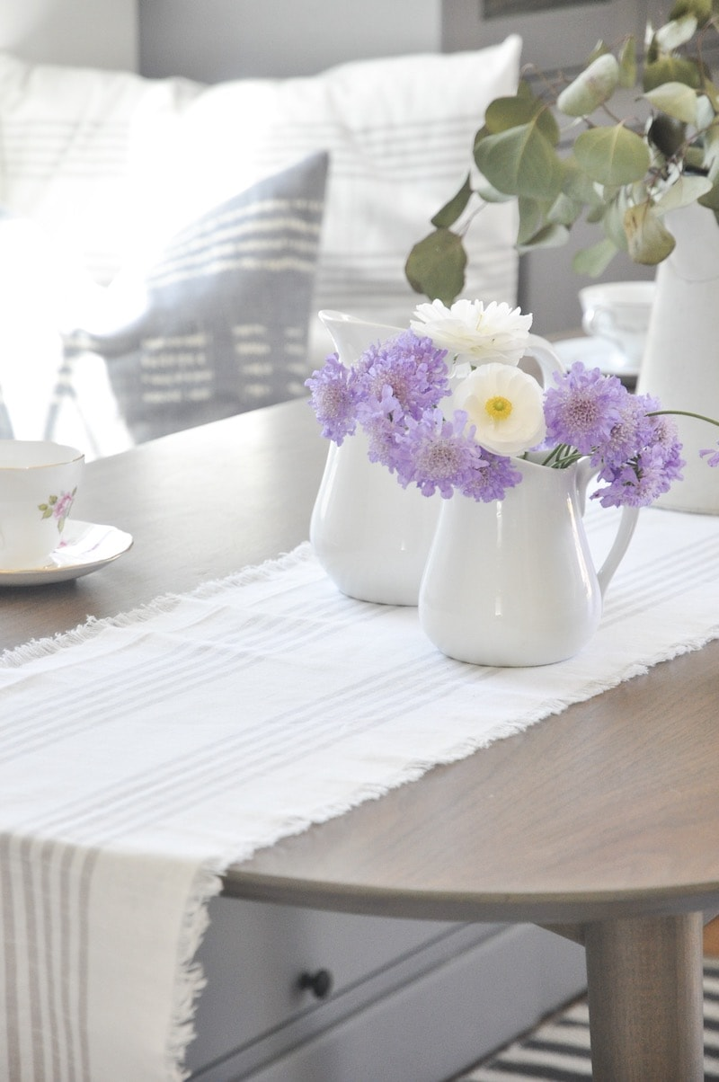 DIY easy no sew table runner, how to make farmhouse style table runner