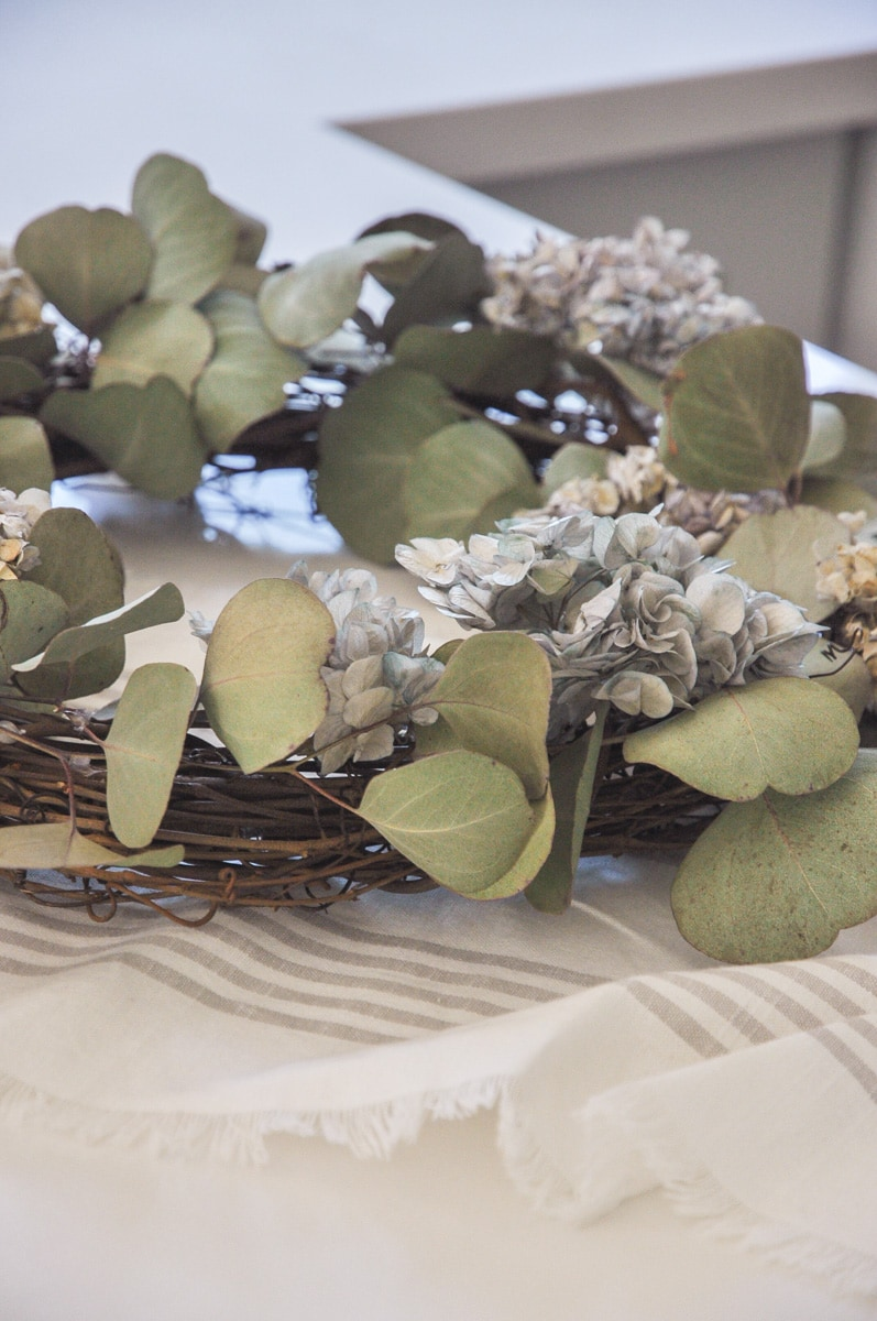 diy project dry eucalyptus and hydrangea flower wreath, farmhouse, cottage home decor
