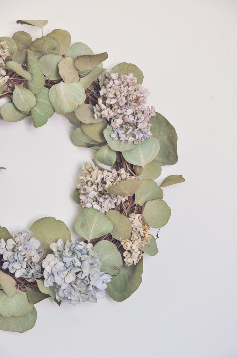 dried hydrangeas nikko blue wreath with eucalyptus, diy project, diy home decor project