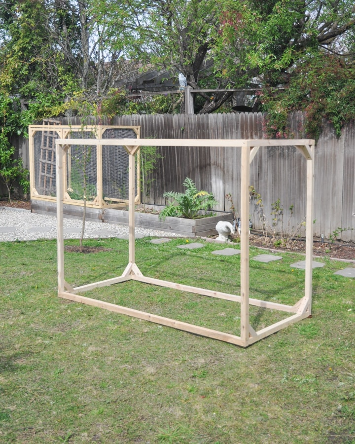 DIY raised garden bed enclosure fence, protect garden raised bed from animals and critters