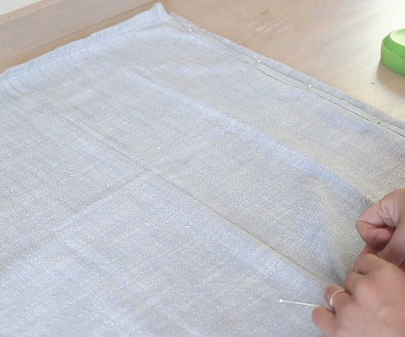 how to sew tassel throw pillow with invisible zippers- DIY pillow cover