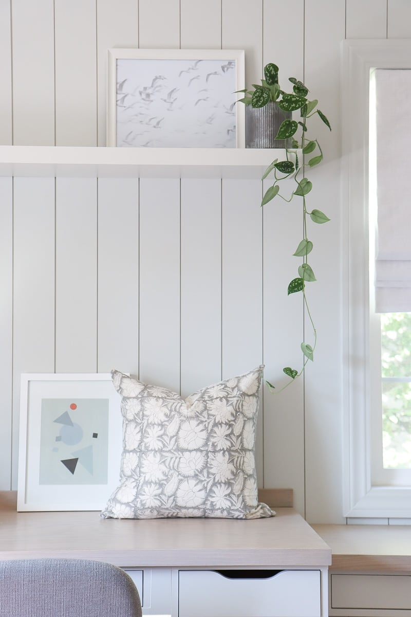 diy throw pillow from pottery barn napkins - serena and lily inspired / dupe