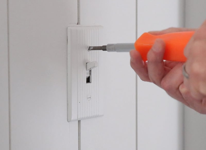 how to replace old light switch and cover