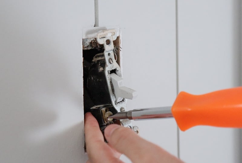 how to replace light switch and cover - modernize light switch