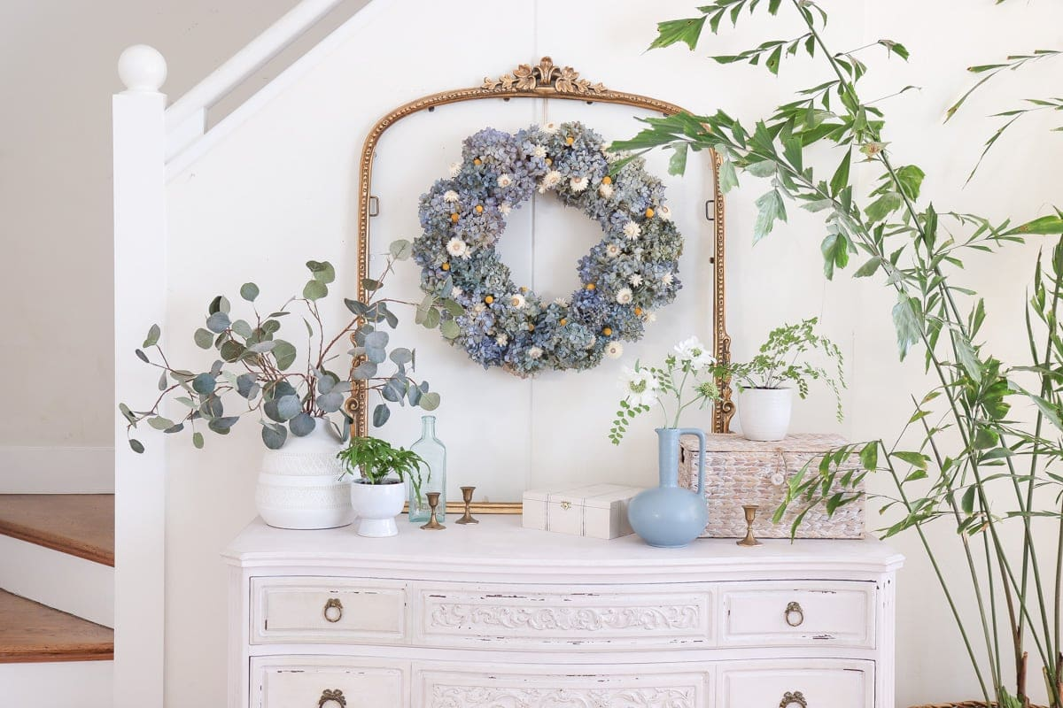 how to make a dried hydrangea wreath