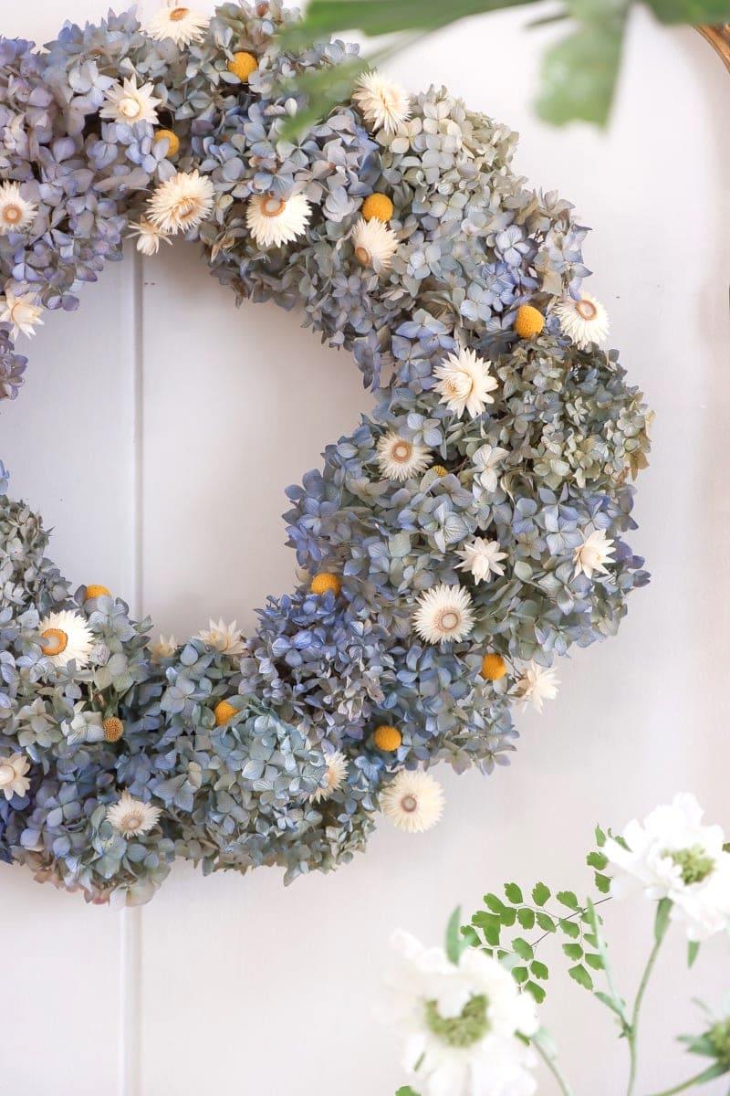 DIY dried hydrangea wreath