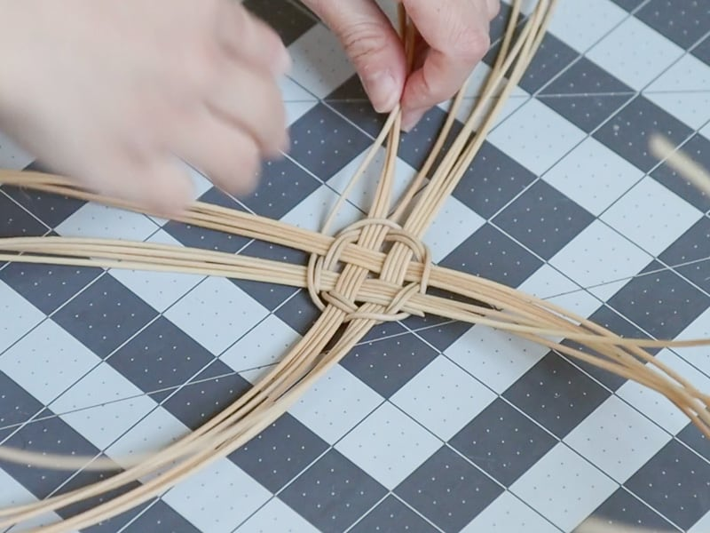 how to weave with round reed