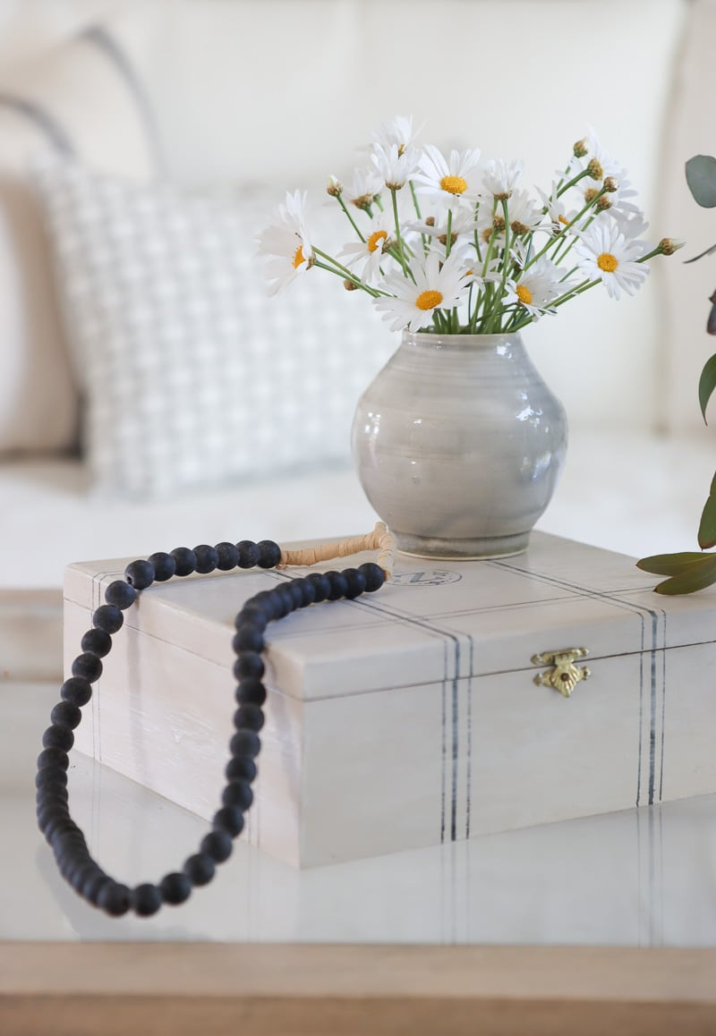 eclectic coffee table decorating ideas