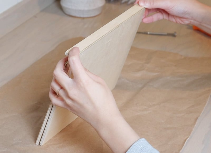 DIY iPad stand for drawing with plywood