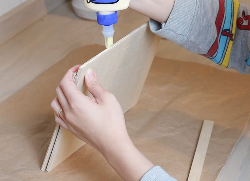 DIY wood ipad stand for drawing
